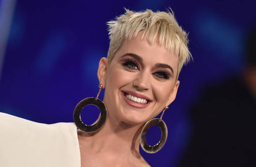 Katy Perry juonsi Los Angelesissa pidetyn MTV Video Music Awards -gaalan 27. elokuuta.