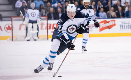 Patrik Laine Fires A Laser Beam Shot For His 33rd Of The Season (video)